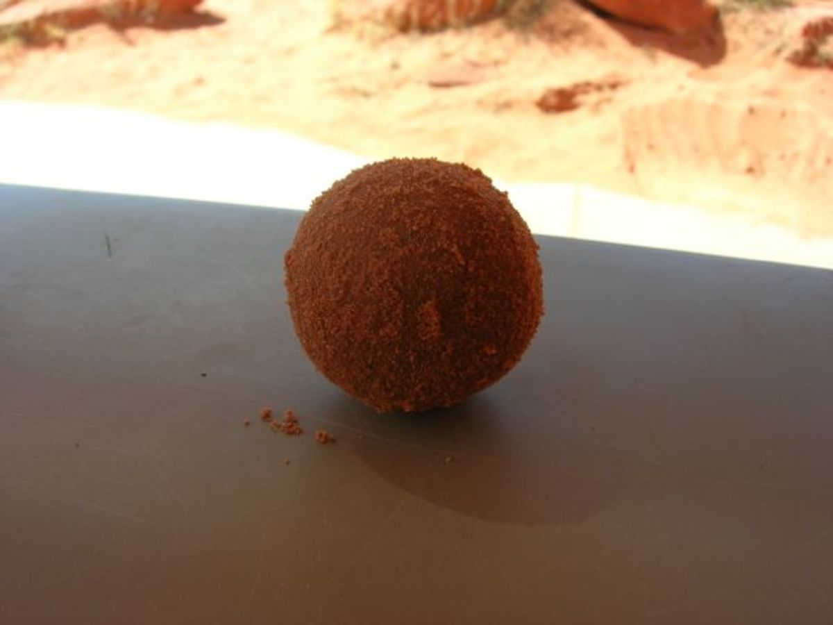 While a sand-only dorodango seems to start out okay...