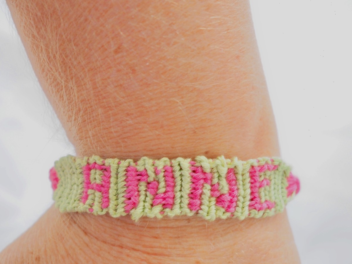 Remember to pick a short name! Letters and numbers quickly fill up the space in a friendship bracelet.