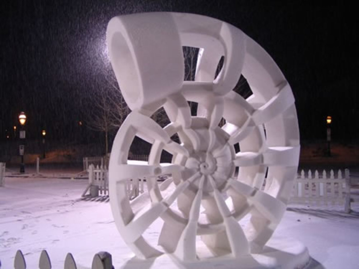 2005 International Snow Sculpture Championships: First Place and Artist's Choice (USA [Tennessee], Nautilus.
