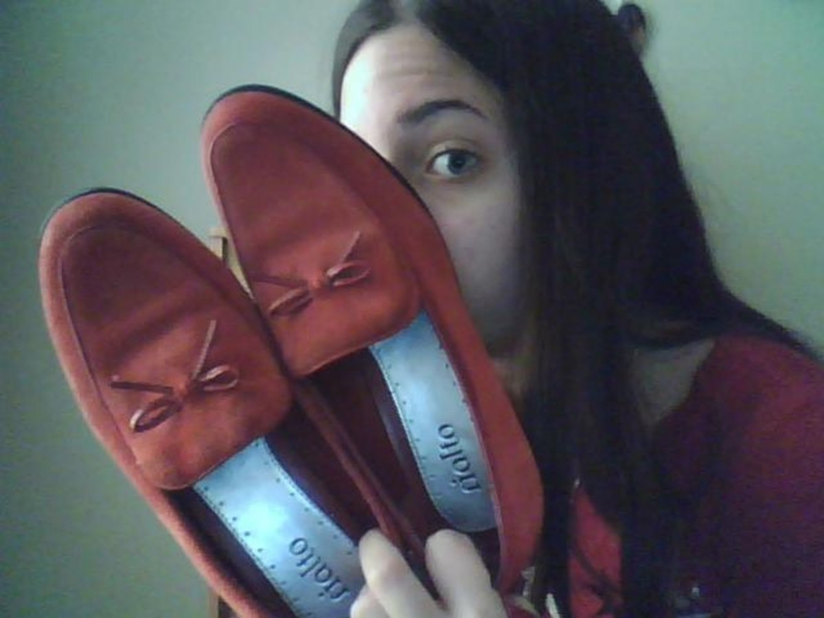 I found this pair of shoes at odds and ends shop in town, in near-new condition, for extremely cheap.