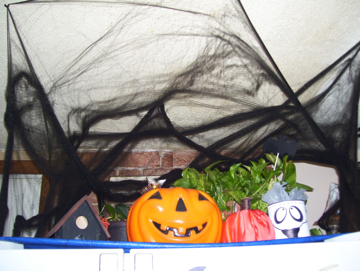 9 Must-Have Halloween Decorations