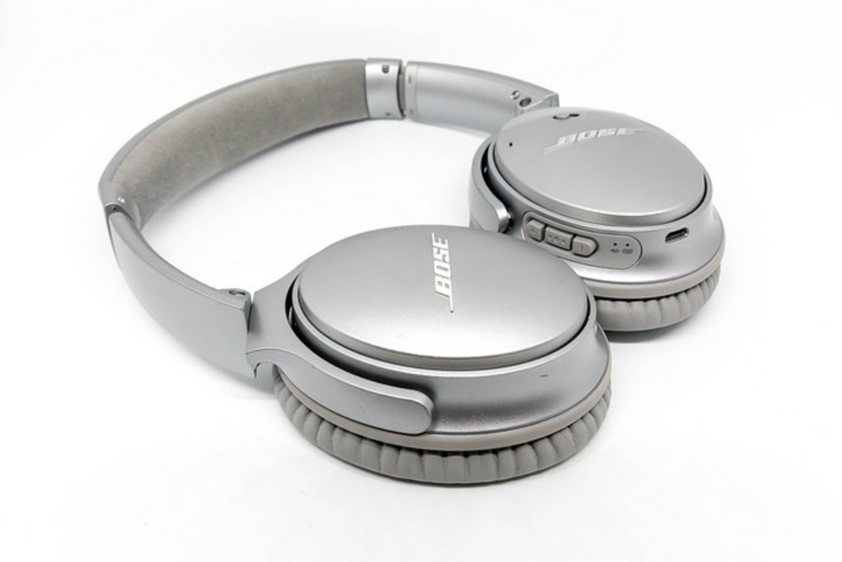 Bose changed the industry forever with their innovative noise-cancelling headphones. They bring that kind of ingenuity and creativity to their earphones as well.