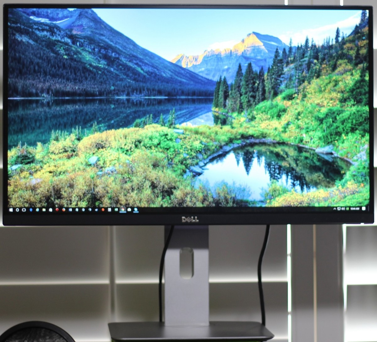 Dell's UltraSharp series has an amazing picture and a nearly bezel-free design.