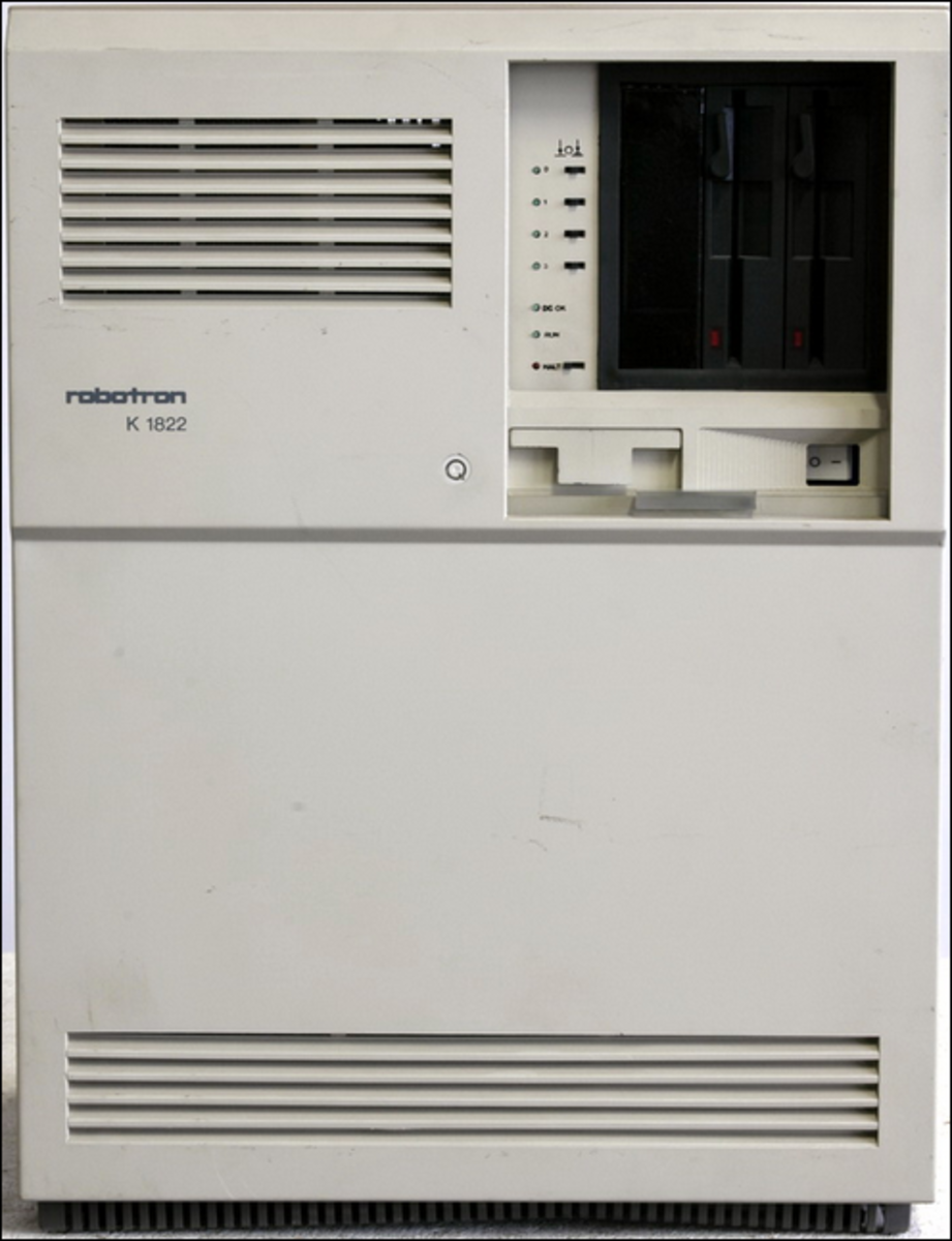 Prototyp 1990, MicroVAX II Clone Minicomputer is a mid sized computer