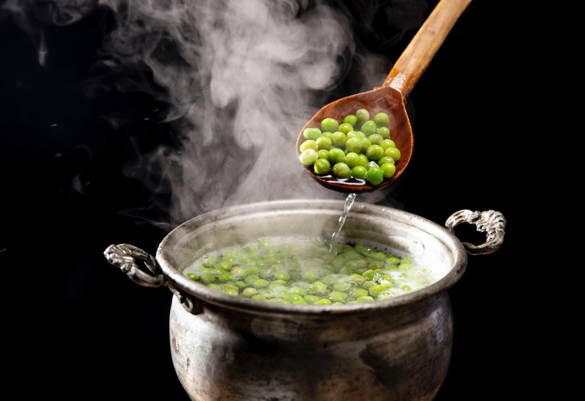 Pureed green peas can be used as a printing medium in one type of 3D food printer.