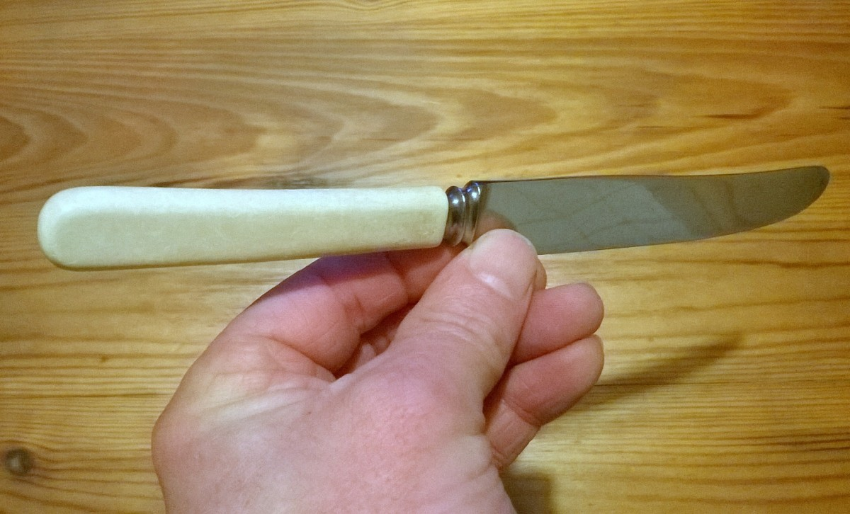 Celluloid knife handle