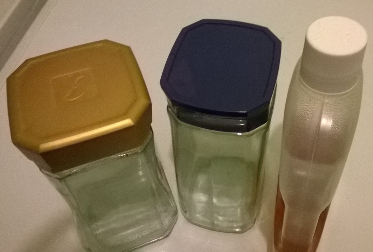 Bottle caps and lids of jars