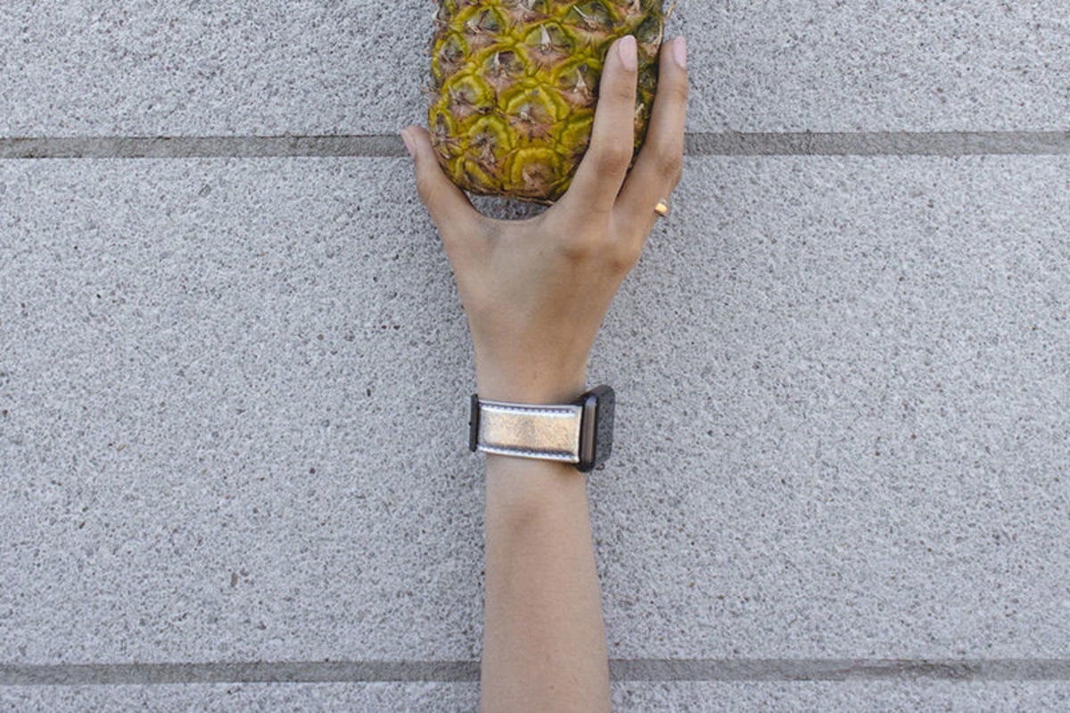 Apple watchband made from Piñatex designed by Feramez Durmus for Mezando. [public domain]