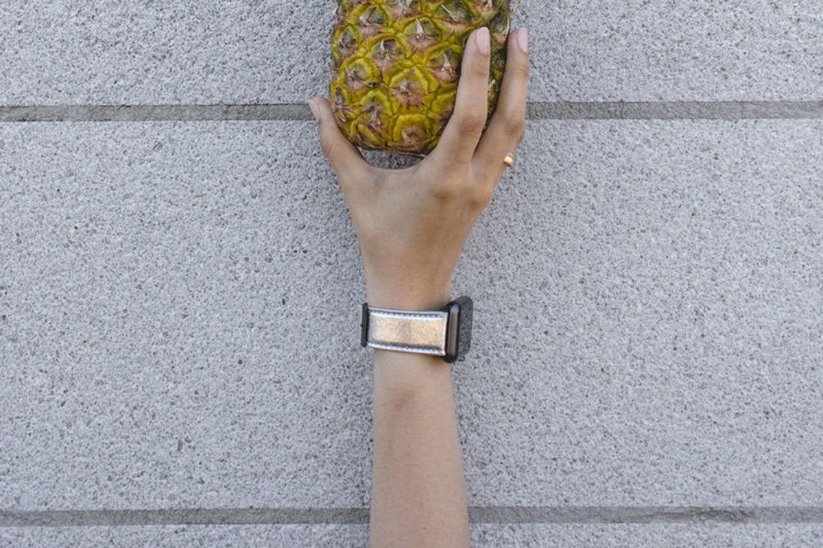 Apple watchband made from Piñatex designed by Feramez Durmus for Mezando. [public domain]