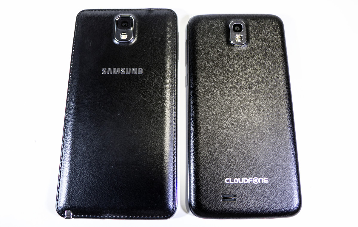 "5.7"" Galaxy Note 3 beside the 5.0"" Excite 501o"