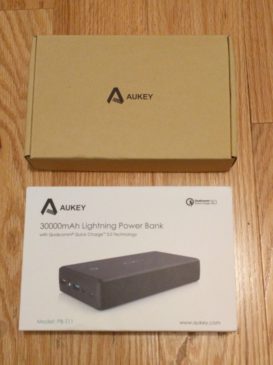 aukey-pb-t11-30-000-mah-portable-charger-with-quick-charge-30-and-lightning-input