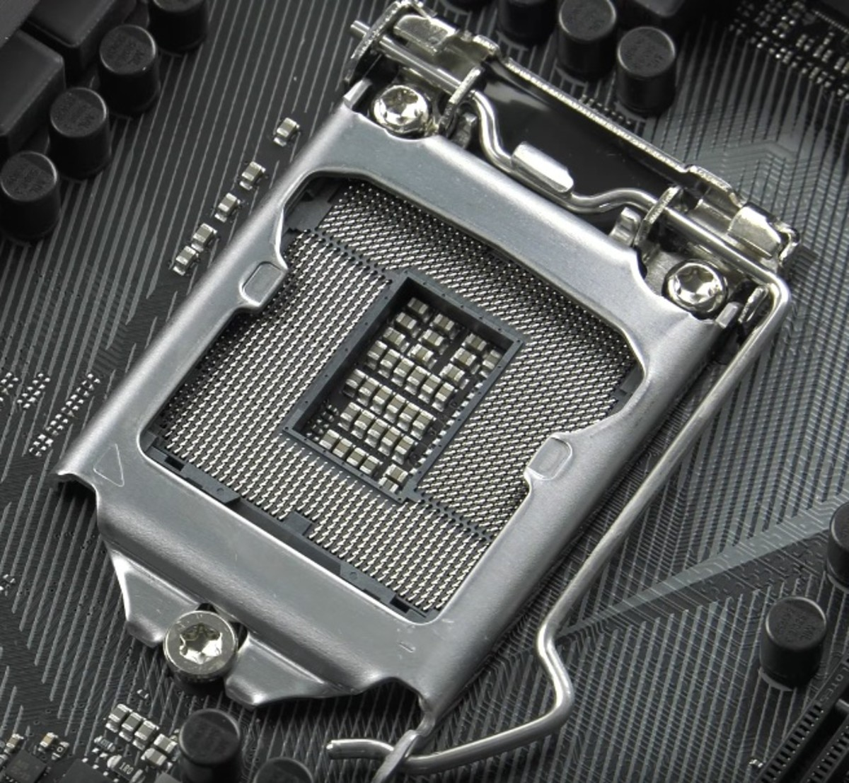 Intel's Z270 Chipset is designed for seventh generation Kaby Lake CPUs. Previous generation Skylake CPUs will also work with this chipset.
