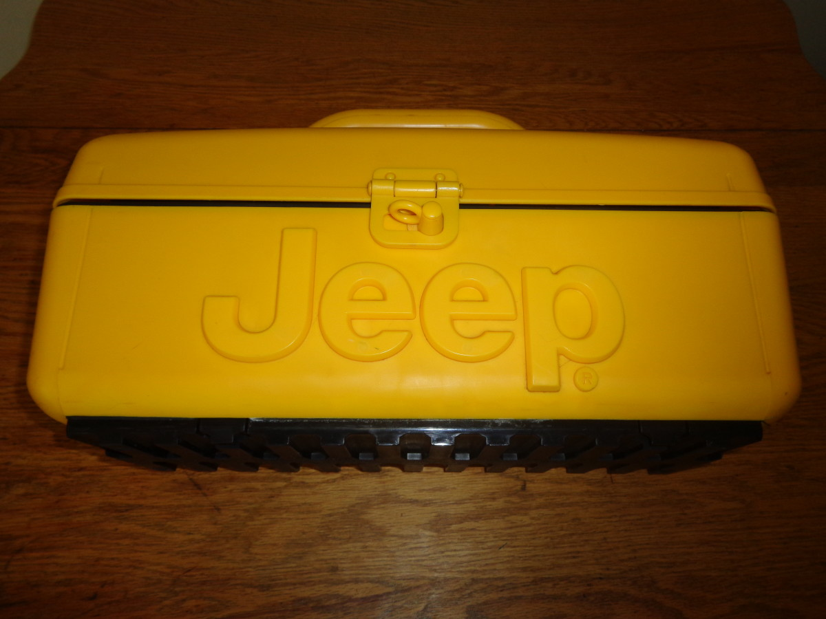 The outside of the Jeep Boombox is made of strong plastic and seems to be very durable.
