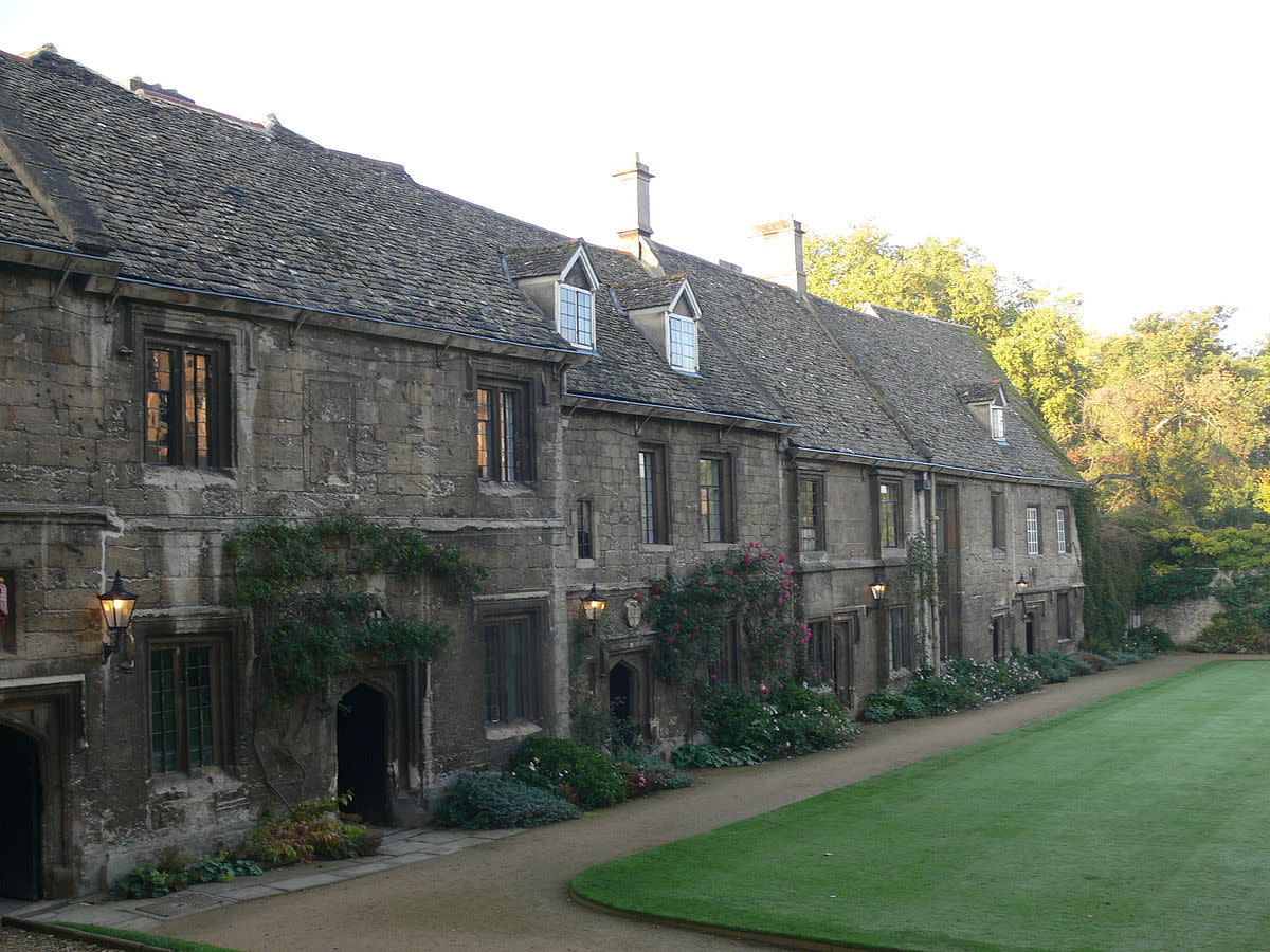 Old cottages, south side of main quad, Worcester College, Oxford University, UK.