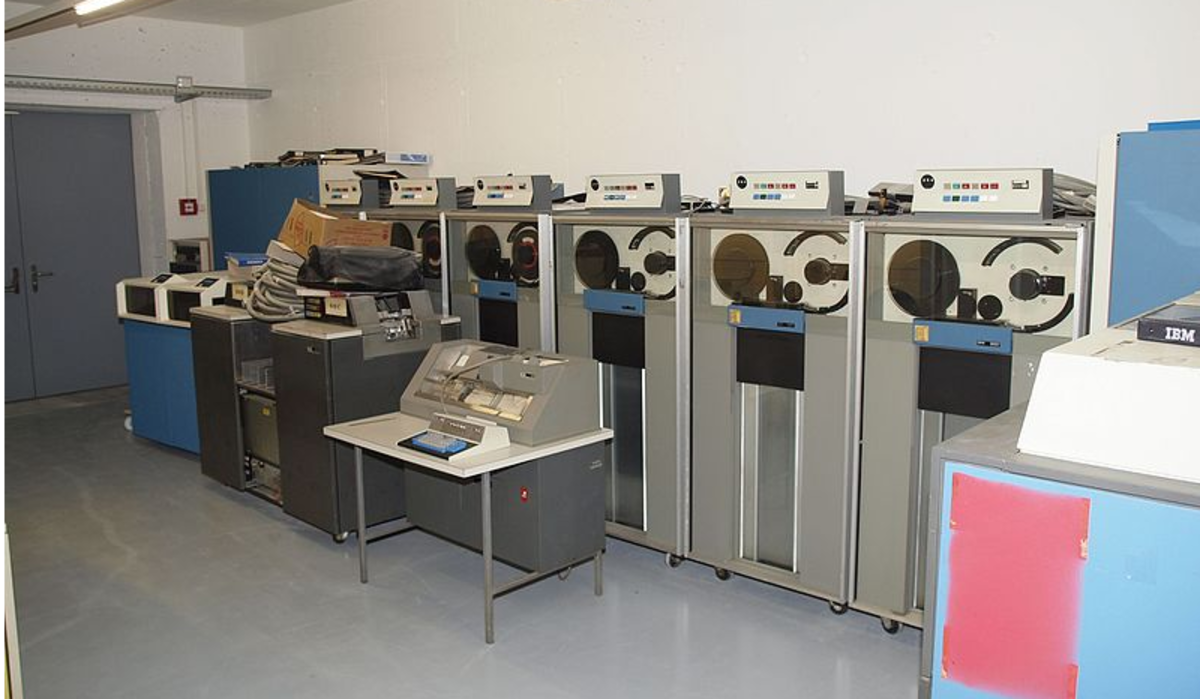 A neat looking IBM 370 mainframe released in 1970