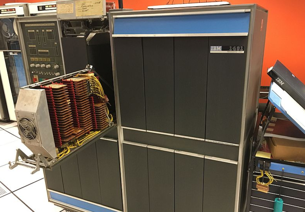 IBM 1401 computer with one circuit card access drawer opened, on display at the Computer History Museum.