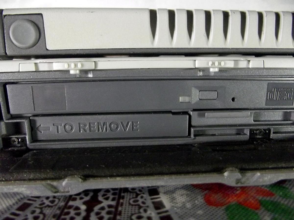 Optical drive of Itronix GoBook III