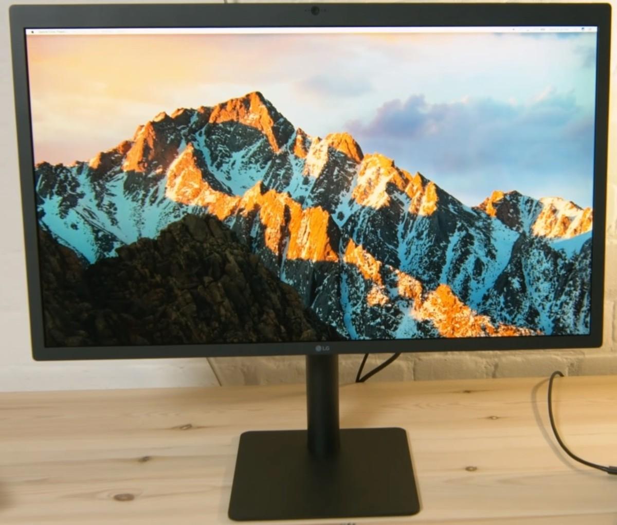 8 Best USB-C Monitors for Apple MacBook Pro and Mini 2019