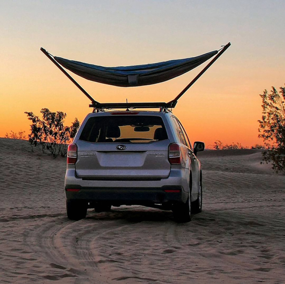 Hammock mounted on a roof rack