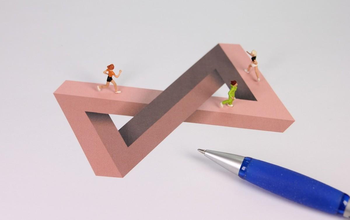 Confusing illusion.