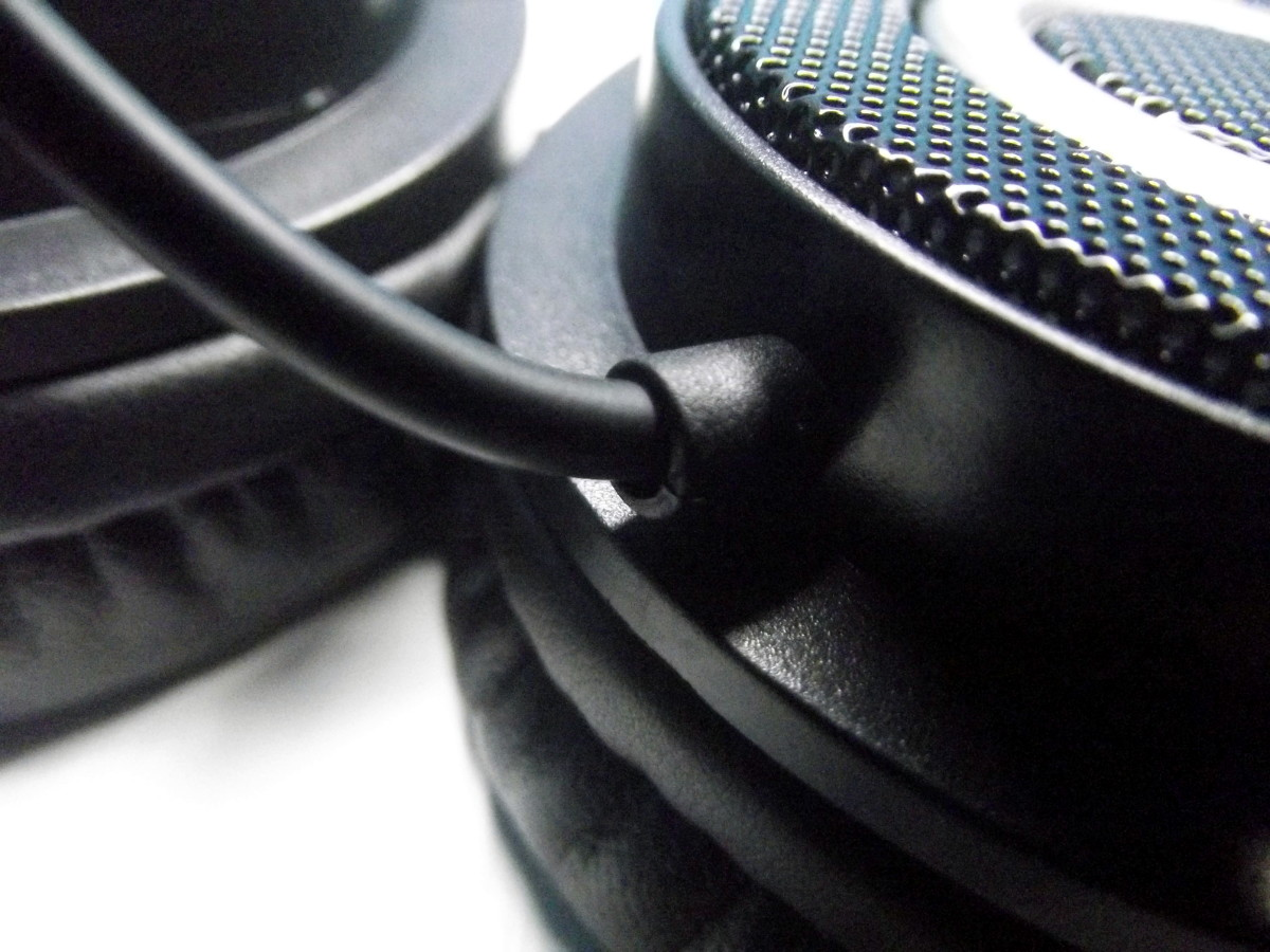 Stress relief used to protect cable extruding from Vogek Lightweight Headphones.