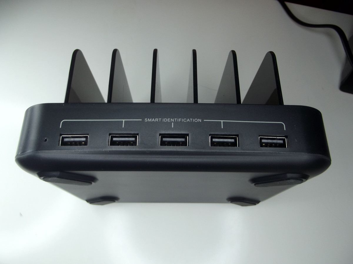 Front view of Vogek Five Port Charging Station.
