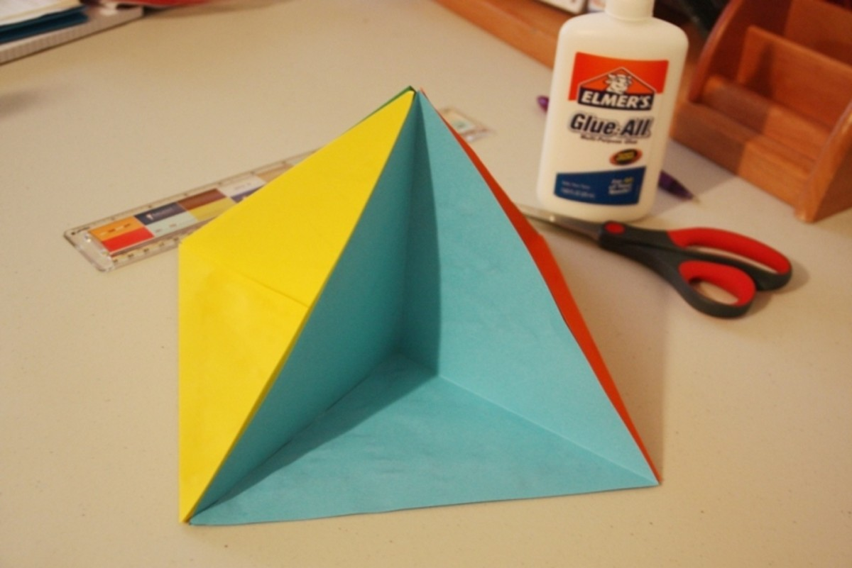 This is what a pyramid diorama looks like before it's decorated. These unique dioramas—or triaramas—are easy to make!