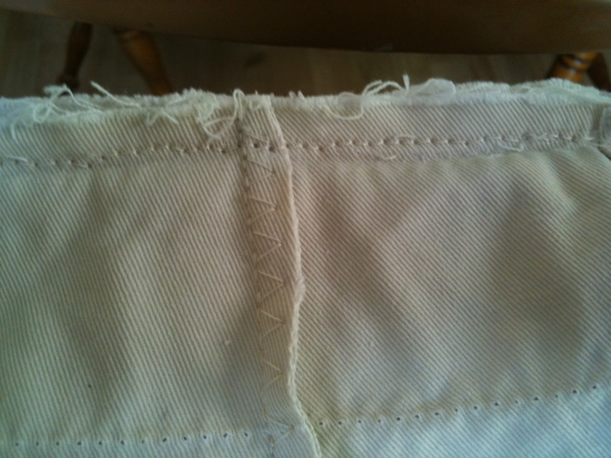 Trim the back seam.