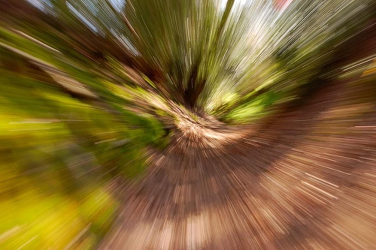 Slow shutter speed effect: zoom in
