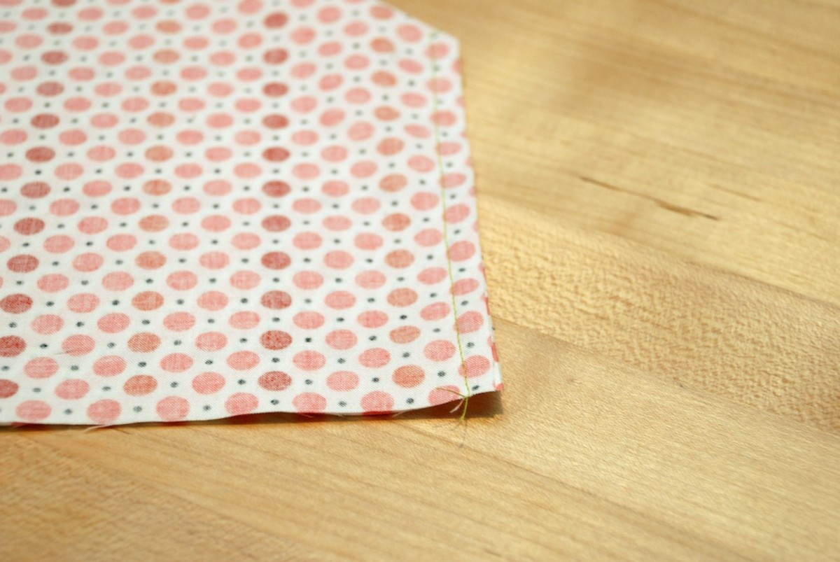 how-to-sew-mini-crib-sheets-easy-with-pictures