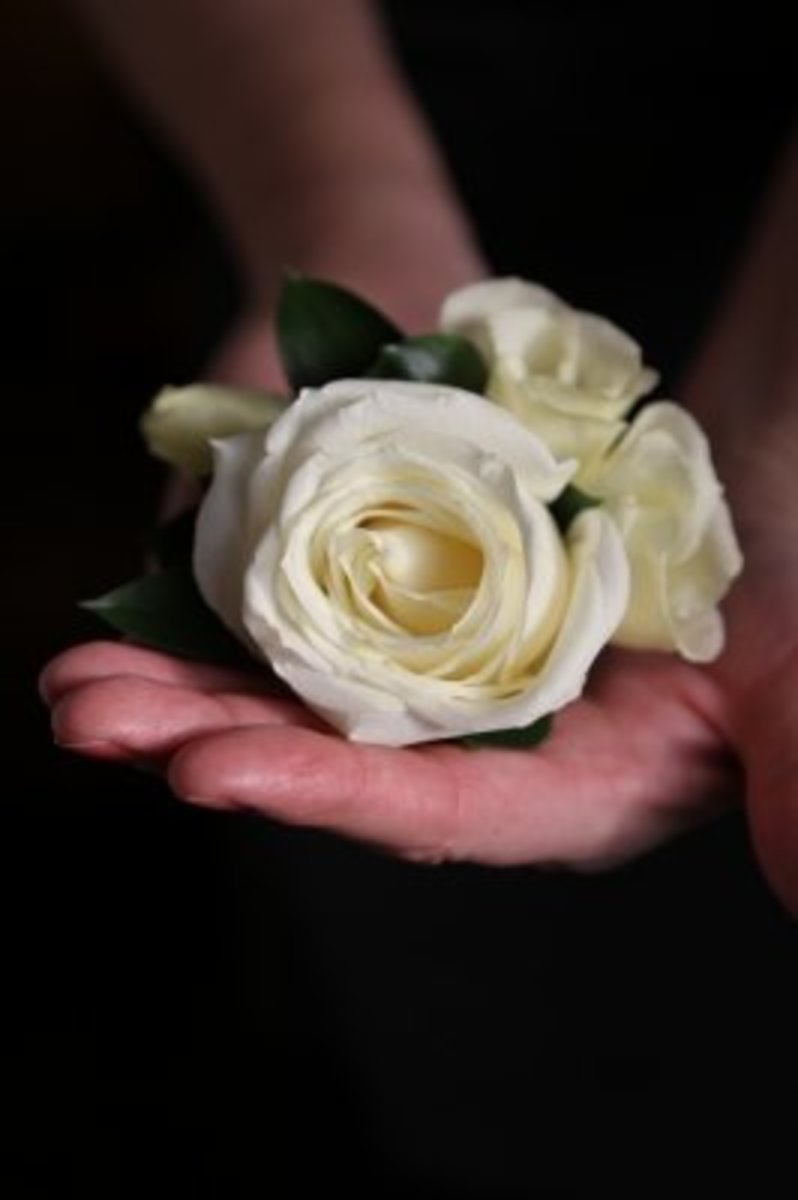 How to Make a Fresh Flower Corsage