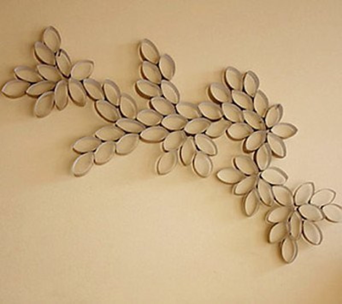 56 Amazing Paper Roll Crafts Ideas | FeltMagnet