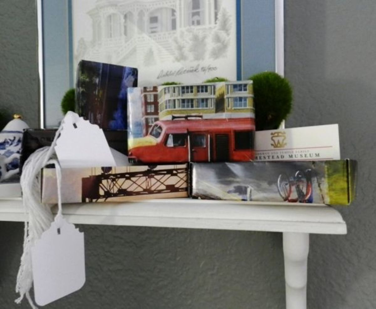 Boxes can be used for storing business cards and gift tags