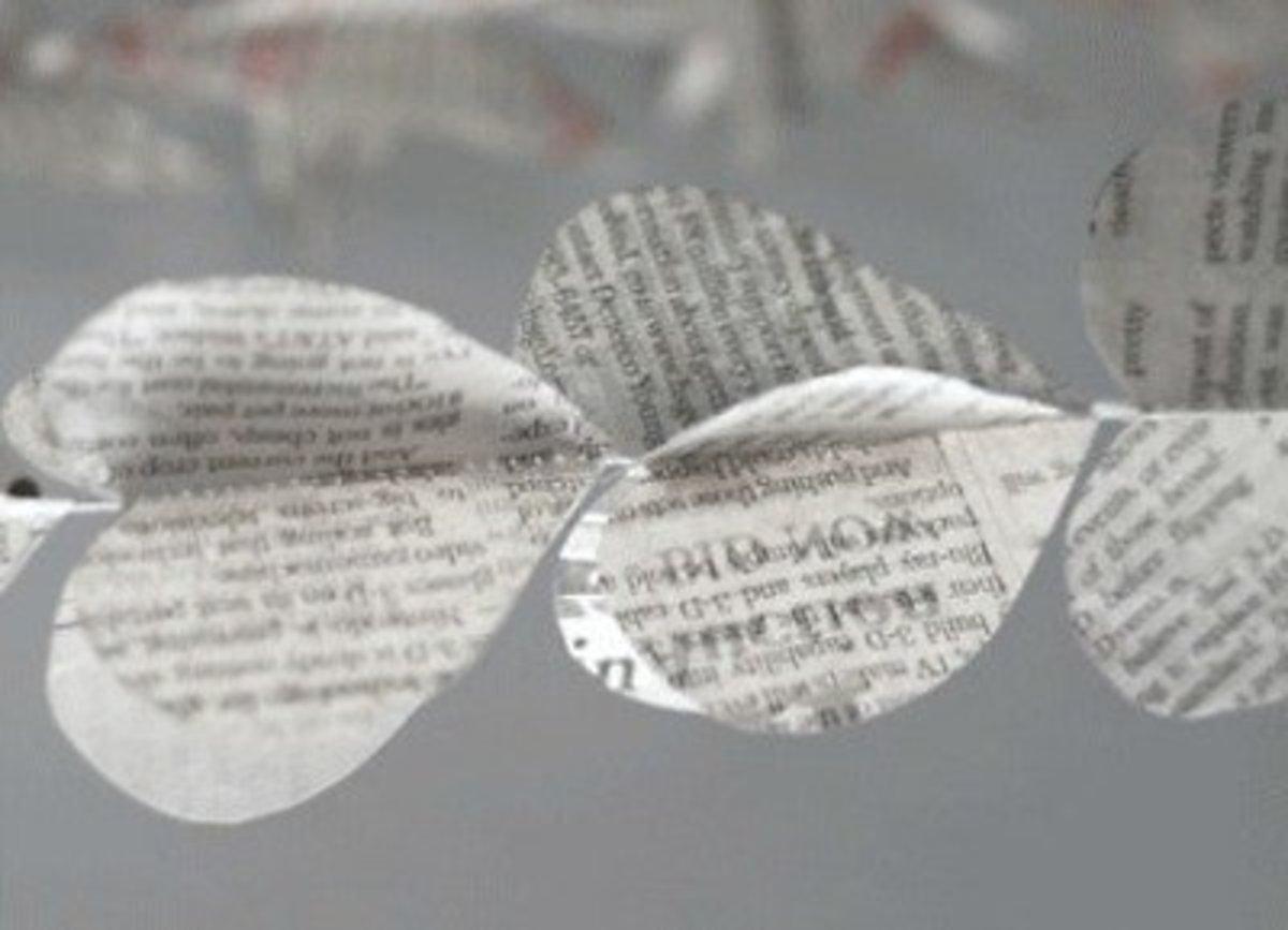 59 Amazing Crafts Using Newspaper Feltmagnet