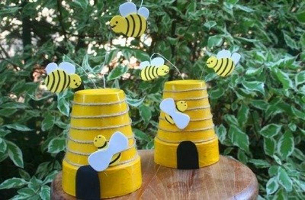 1 Terra Cotta Bee