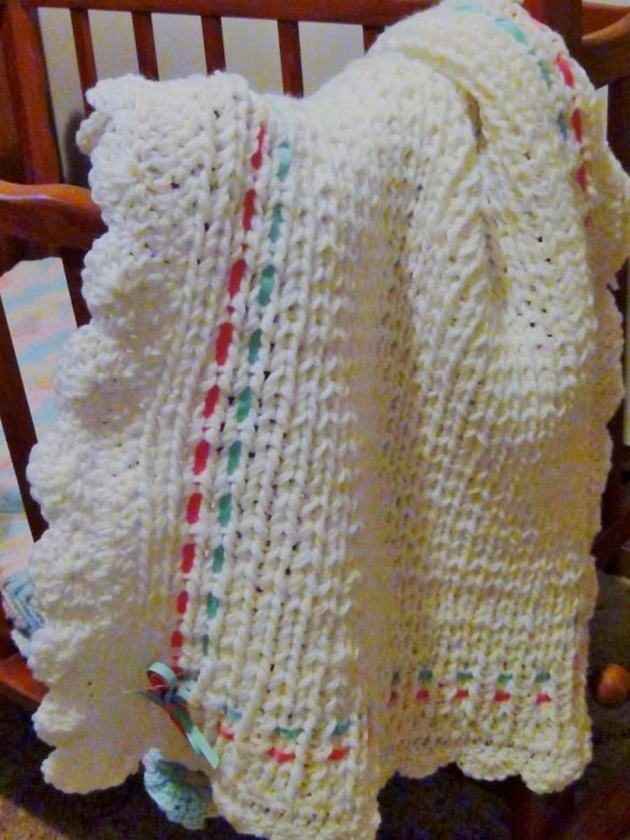 Knitting Loom Patterns Baby Blanket : How to Loom Knit a Baby Blanket