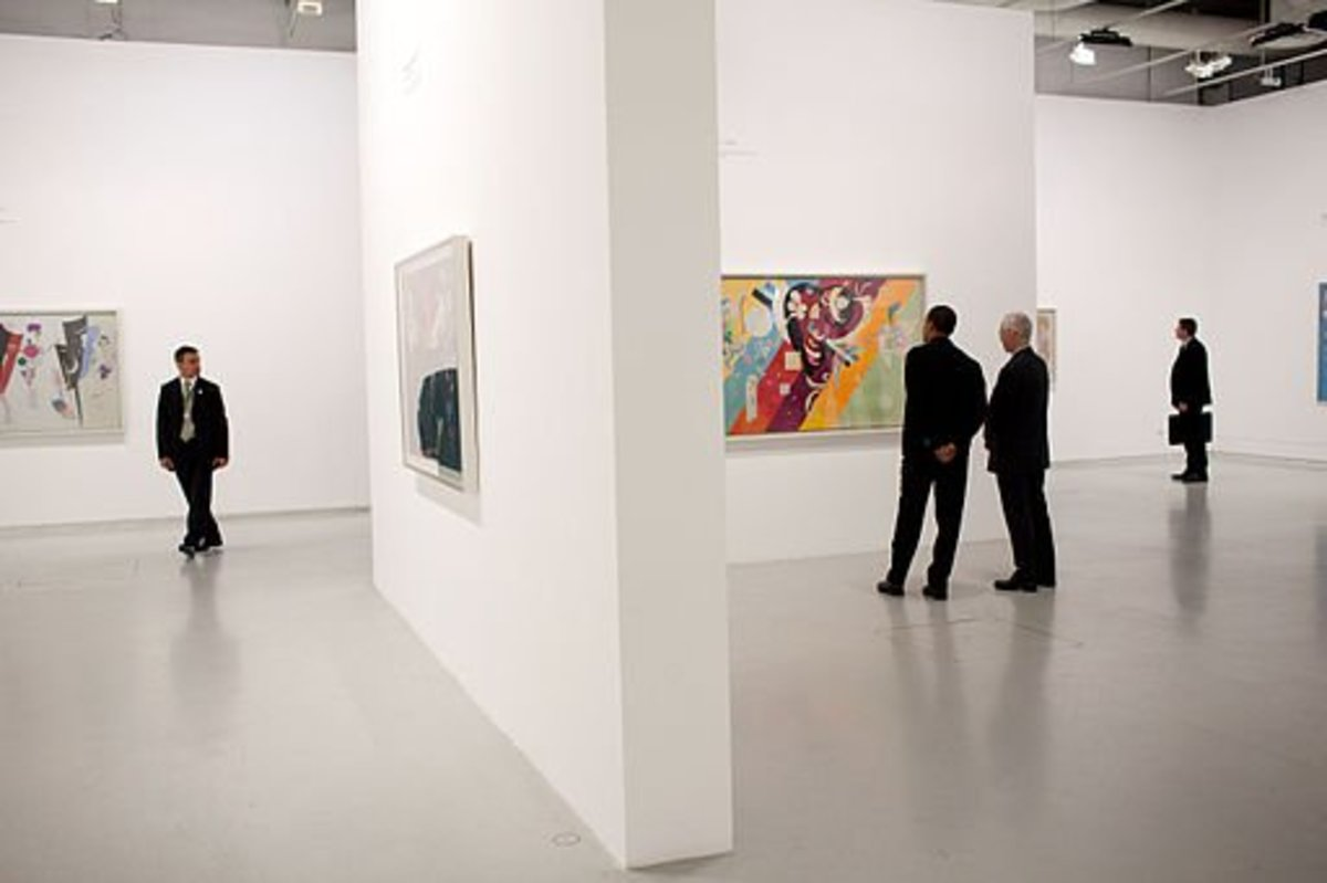 President Barack Obama tours the Pompidou Centre modern art museum with his family June 6, 2009.