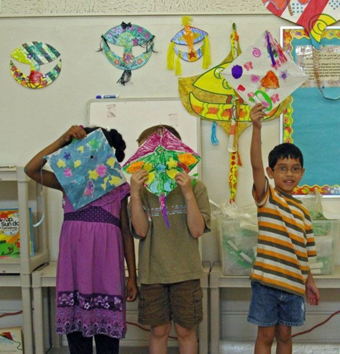 how-to-decorate-a-wau-kite