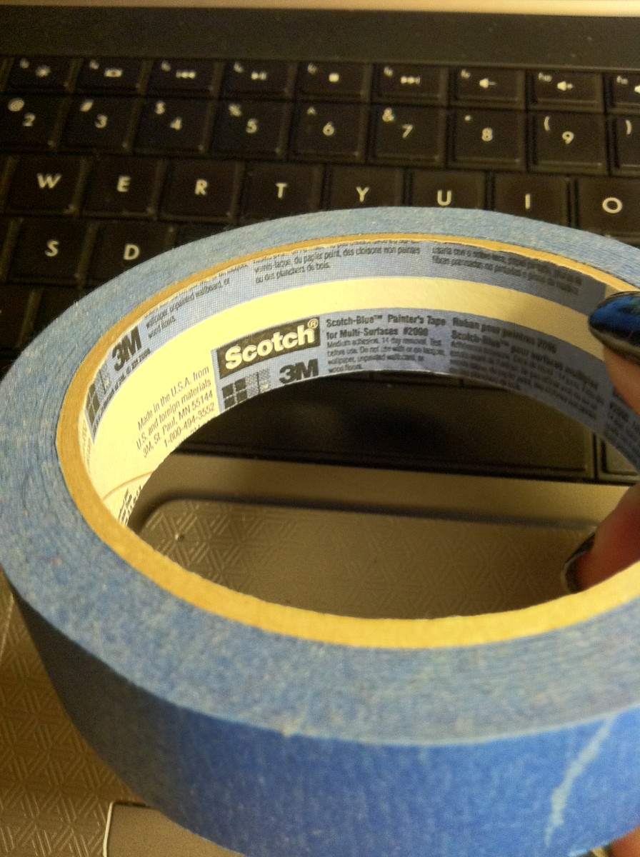 Scotch-Blue(tm) Painter's Tape for Multi-Surfaces. I have heard that the new green tape works even better.