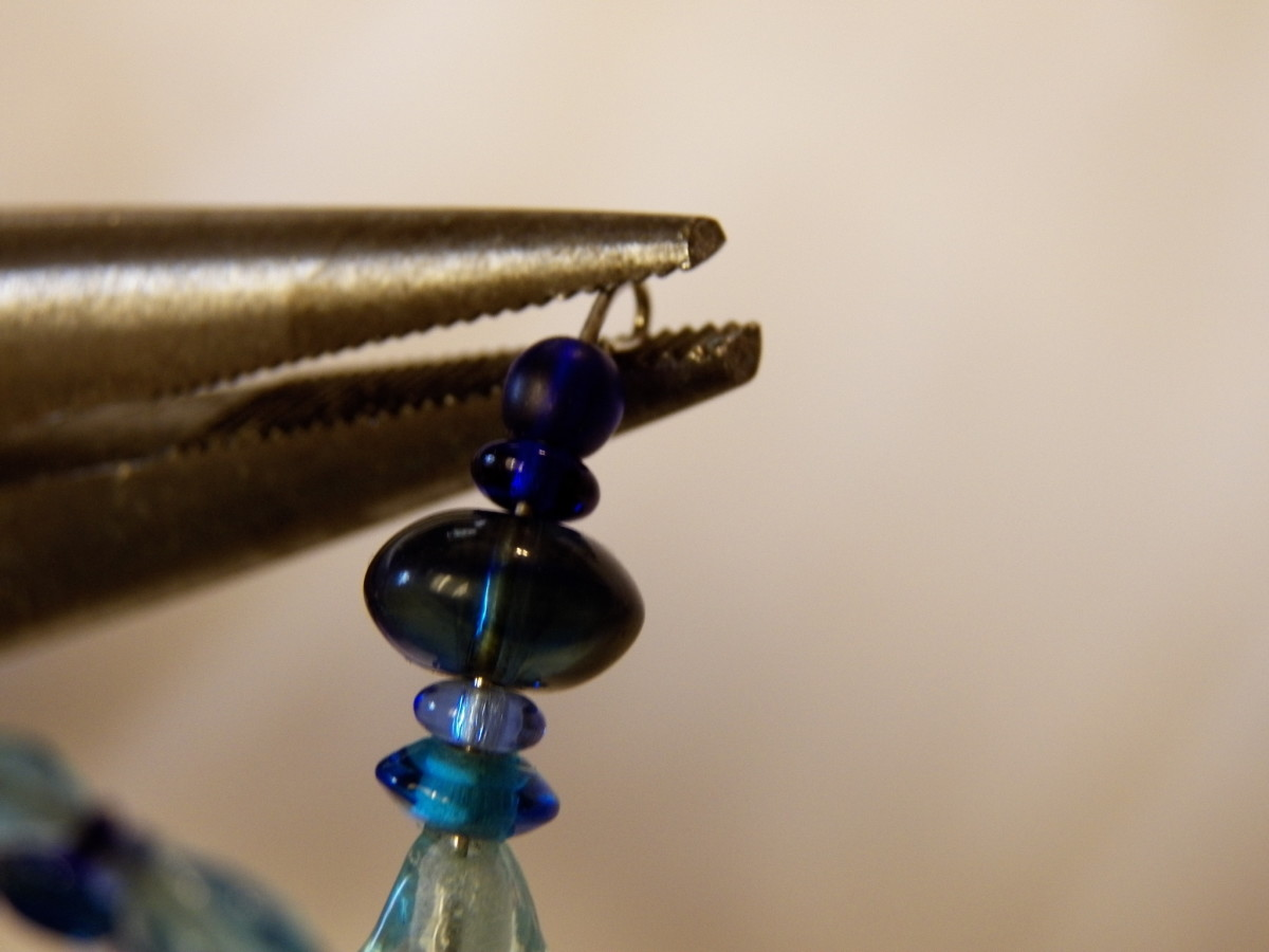 Bead tools help you to bend and finish wires professionally on your beaded jewelry.