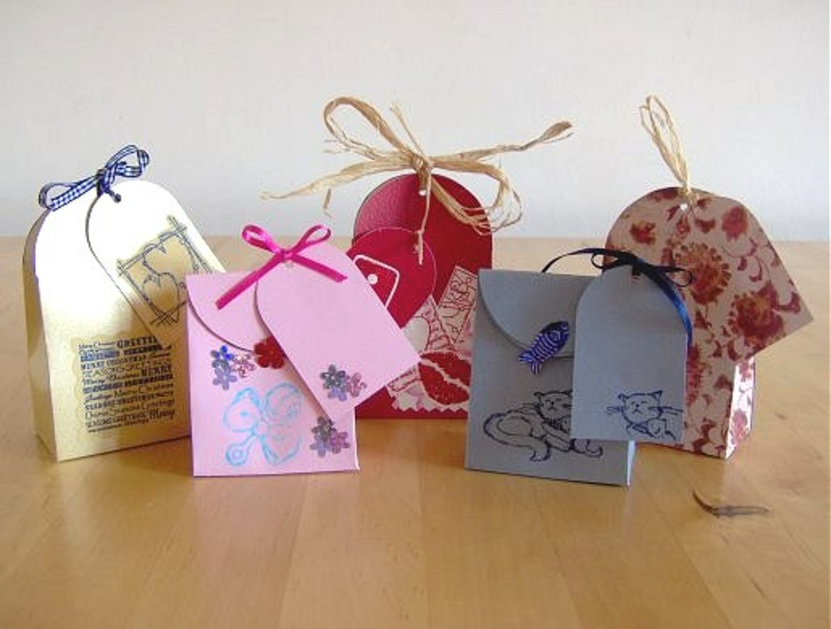 Small gift bags with matching tags