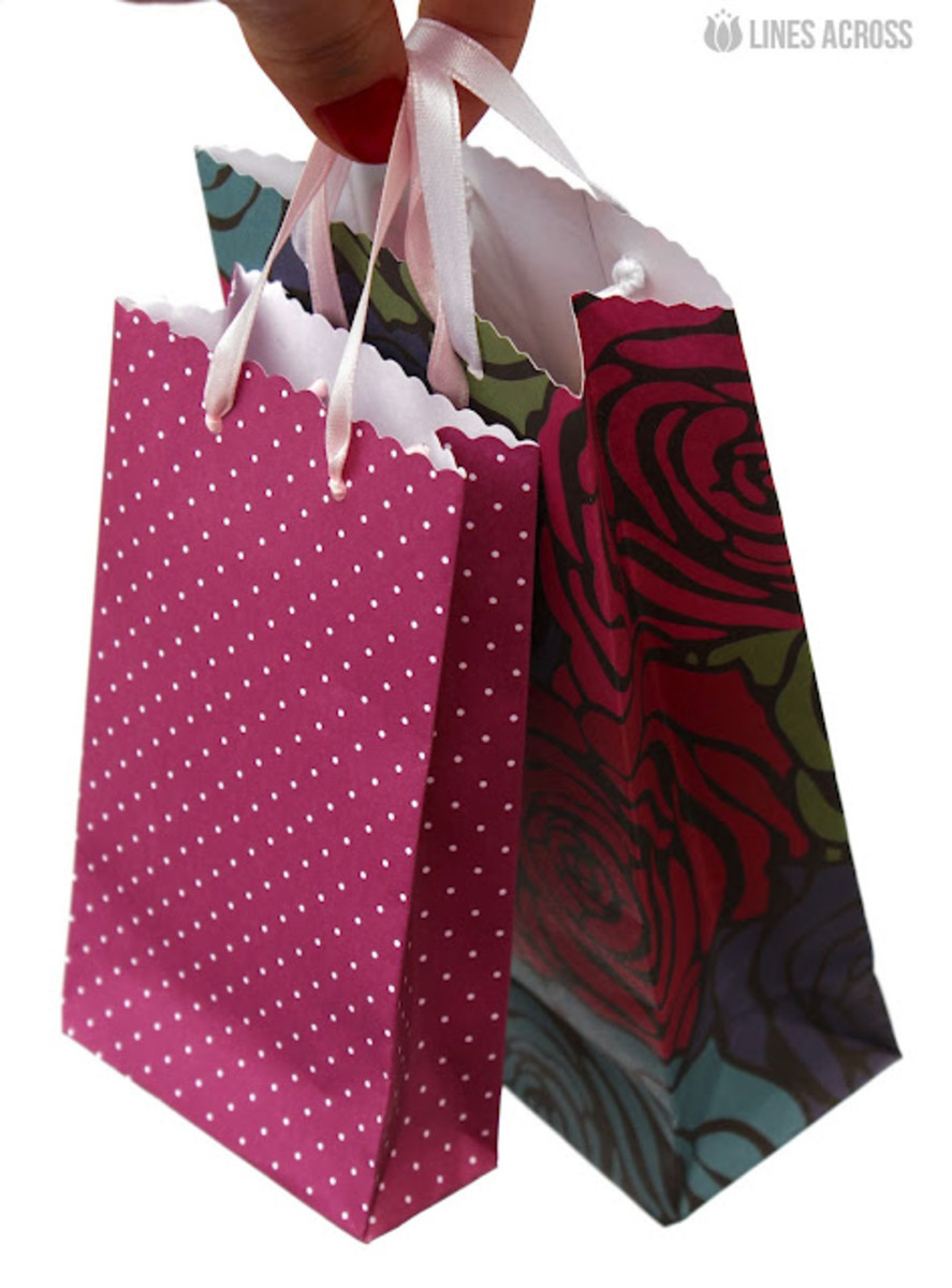 DIY Gift bags from scrapbook paper