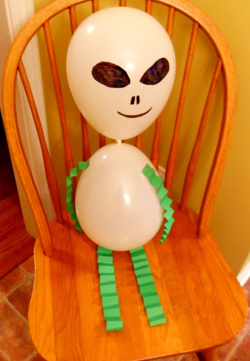 Our finished alien balloon craft.