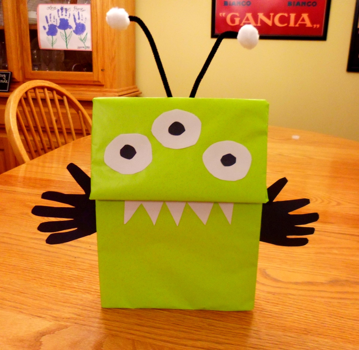 Our finished alien hand puppet.