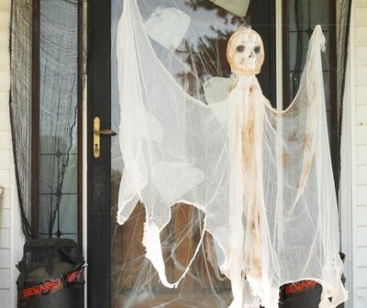 best-outdoor-halloween-crafts