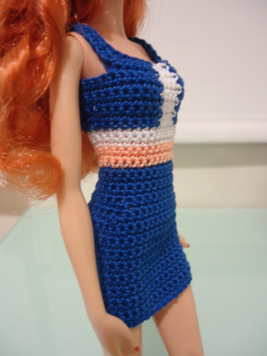 barbie-doll-crochet-clothes-colorblocked-panel-sheath-dress-a-free-pattern