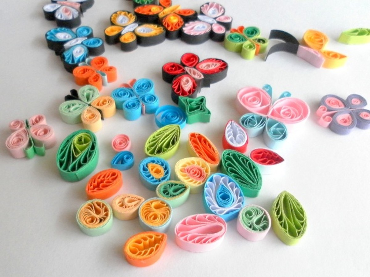 Paper quilling how to make quilled butterflies and flowers for Quilling designs for beginners