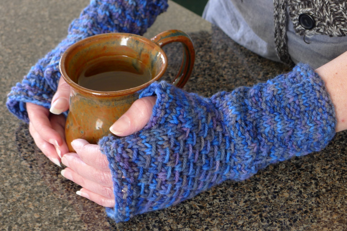 hand knit fingerless gloves or mitts (c) purl3agony 2012