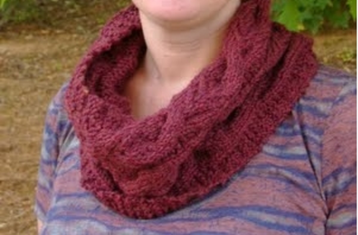 cabled  modern english cowl (c) purl3agony 2012