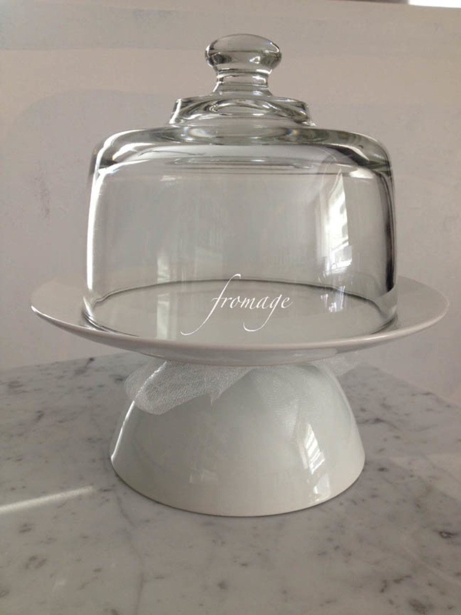 """""""Fromage"""" is mocked up in this example. I have made several of these and they are perfect for a hostess gift with a few different cheeses and champagne grapes."""